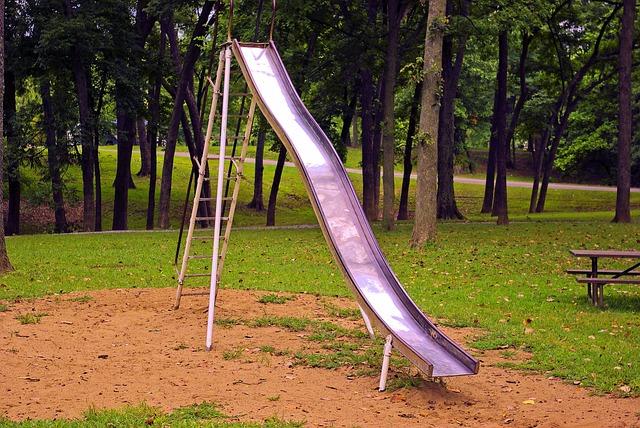 toboggan dans un parc